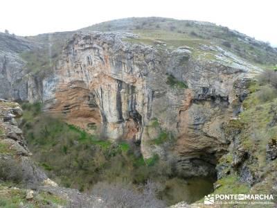 Barranco Río Dulce; ropa senderismo; campamentos de la comunidad de madrid;senderismo nivel bajo